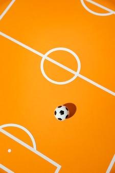 フィールドの静物画にフラットレイサッカー