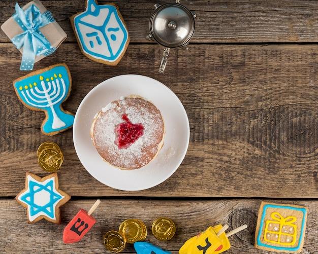 Piatto di laici hanukkah concetto con copia spazio