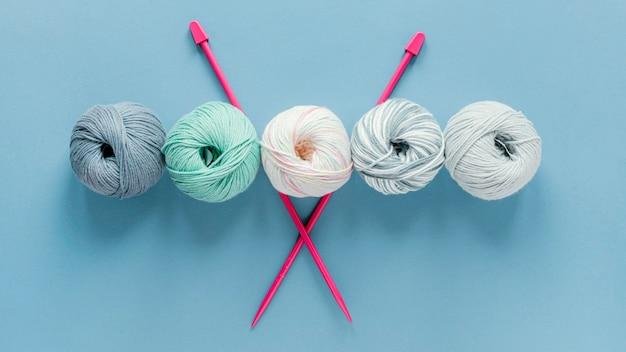 フラットレイ編み針とウール