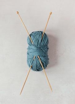 Flat lay knitting needles and wool
