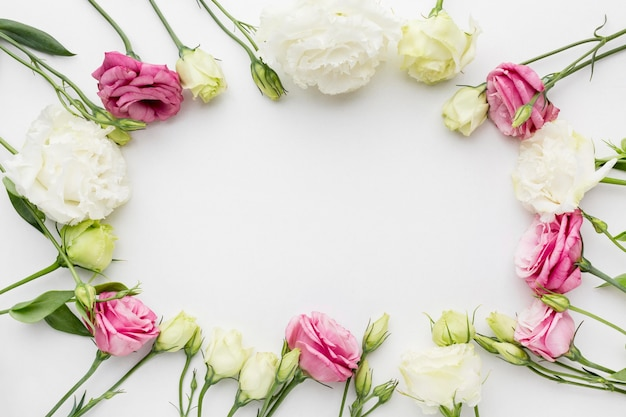 Flat lay mini roses frame
