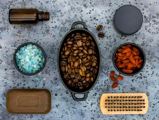 Lay piatto di medicine naturali