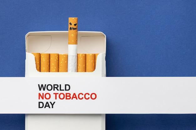 Composizione di elementi di giorno senza tabacco piatto