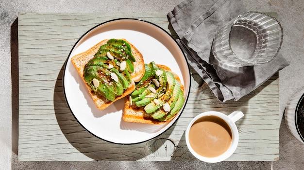 Assortimento di piatti nutrienti per la colazione