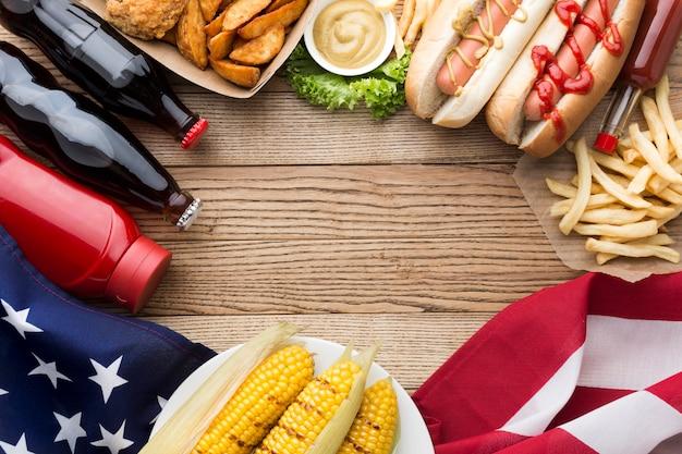コピースペースでアメリカ料理のフラットレイアウト