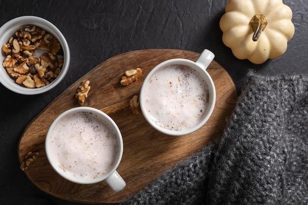おいしい冬の食べ物のコンセプトのフラットレイ
