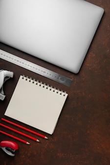 Плоская планировка стола с копией пространства