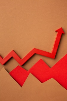 矢印付きの成長統計プレゼンテーションのフラットレイ