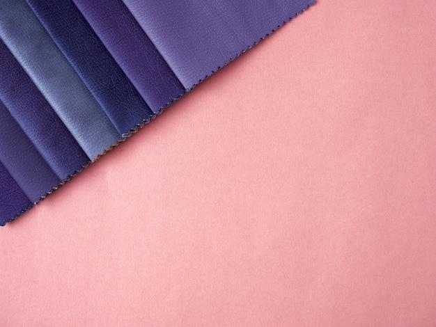 Плоский набор образцов кожи различных цветов