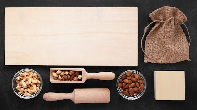 Плоская кладка орехов с копией пространства