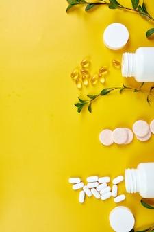Плоская форма таблеток витаминов рыбьего жира
