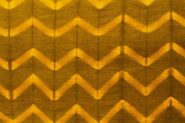 Плоский слой ткани тай-дай