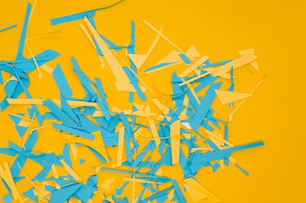 活気のある細断紙の平置き