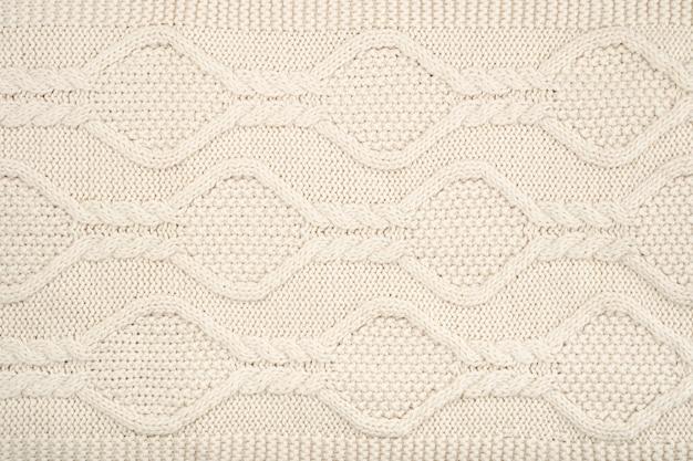 ウールのかぎ針編みパターンのフラットレイ