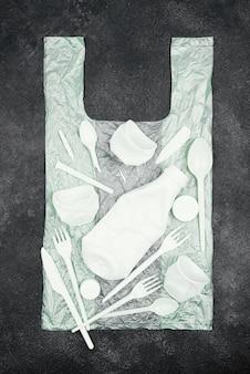 Concetto di riciclaggio piatto laico