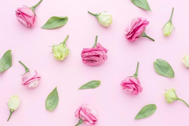 Композиция из плоских роз