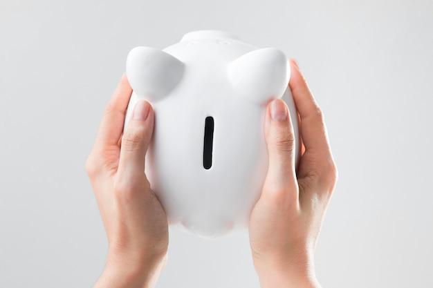 貯金箱の平らな普通預金