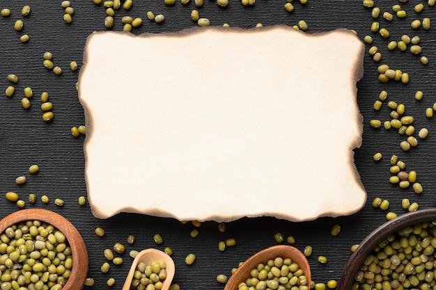 Semi piatti e disposizione della carta