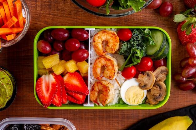 フラットレイエビと野菜のアレンジメント