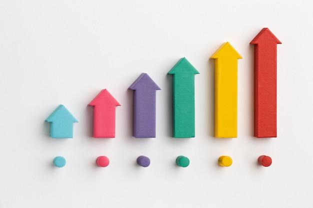 Disposizione piatta della presentazione delle statistiche con grafico e frecce