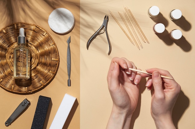 Плоский натюрморт из продуктов по уходу за ногтями