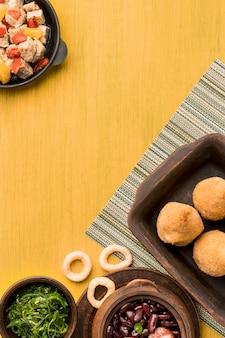 평평하고 맛있는 브라질 음식