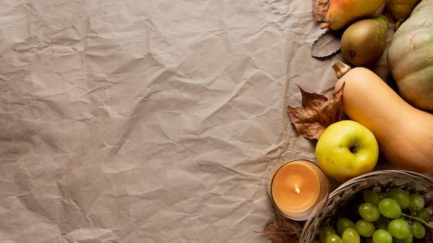 Disposizione piatta del bordo del cibo del ringraziamento con spazio di copia