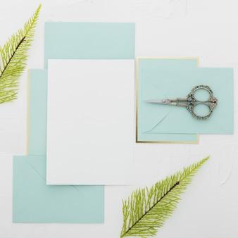 Disposizione piana del concetto di nozze con lo spazio della copia