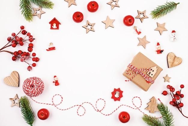 Плоская планировка с ярким рождественским украшением