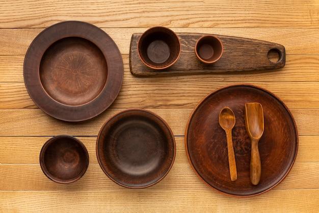 Коллекция плоской деревянной посуды