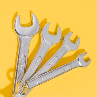 Flat lay wrench set