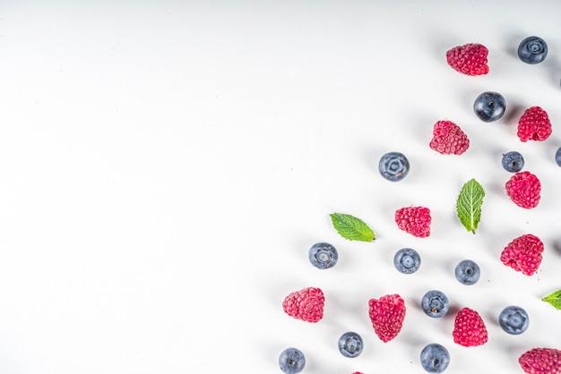 果実とフラットレイパターン