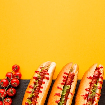Flavorful hot dogs with tomatoes