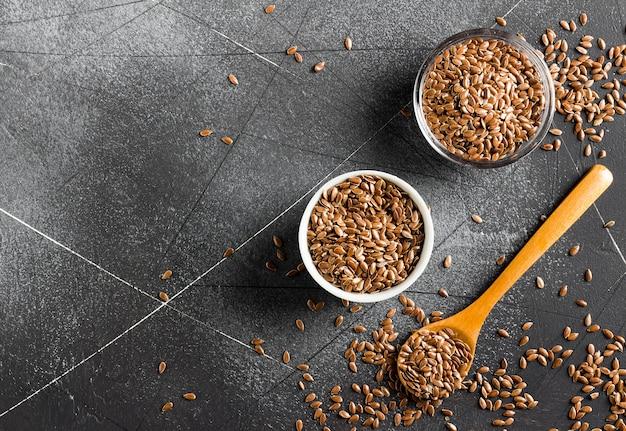 亜麻の種子亜麻仁スーパーフード健康的な有機食品のコンセプト