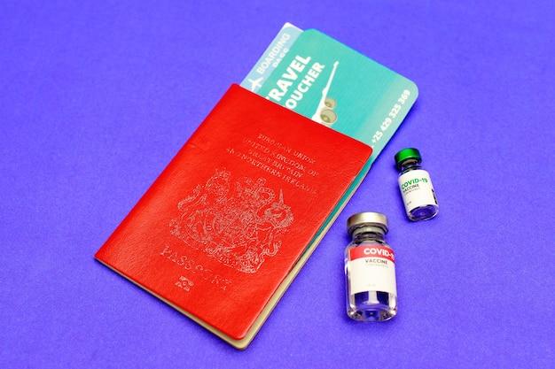 탑승권, 적색여권, 비자외권은 전 세계 여행자 및 외국인이 질병발생 예방으로 탑승 허가를 받을 수 있도록 코로나19 백신 유리를 권고했다.