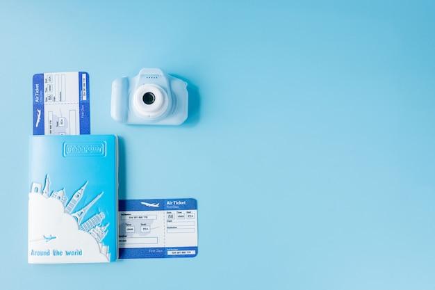 Авиабилеты с паспортами, камерой
