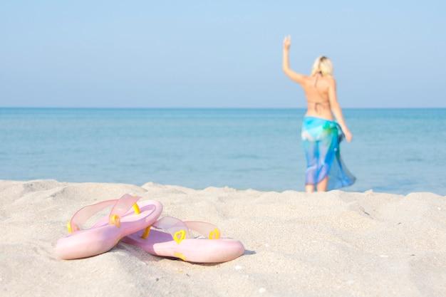 ビーチでビーチサンダル