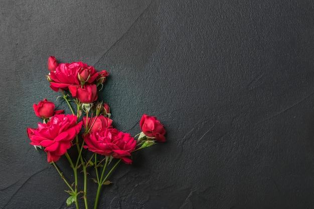 バラ、美しい花の花束と花の背景