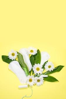 꽃 깨끗한 생리대, 위생 개념, 여성 제품, 생리대