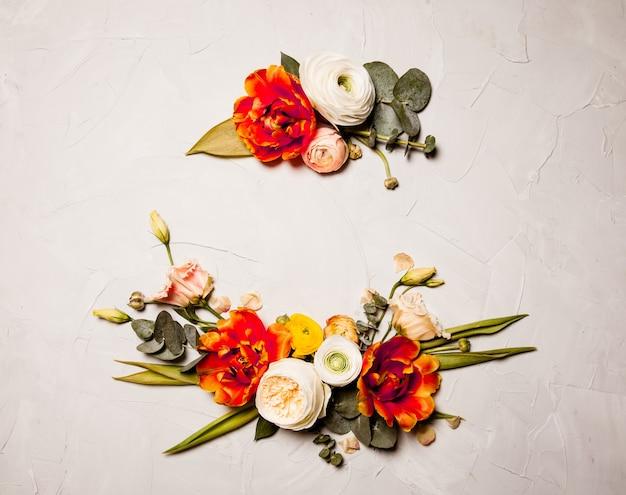 Открытка с цветочным дизайном