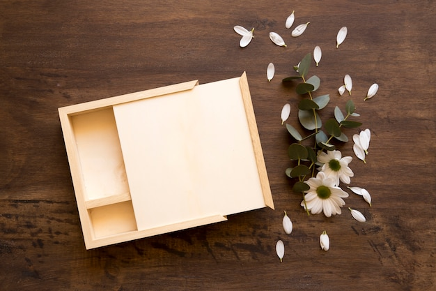 Floral mockup with box