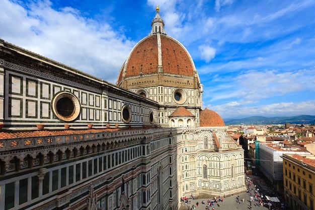 Флорентийский собор с колокольни джотто, итальянская панорама