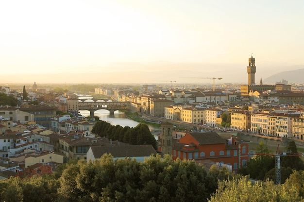Город флоренция во время золотого заката