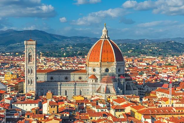 フィレンツェのドゥオーモ。フィレンツェのサンタ・マリア・デル・フィオーレ大聖堂。トスカーナ、イタリア