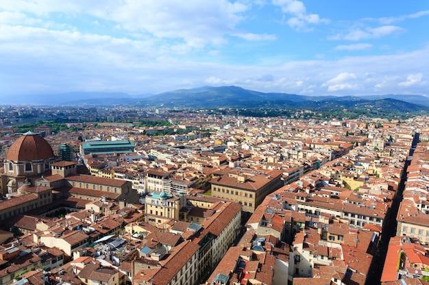 Вид на флоренцию с колокольни джотто, итальянская панорама.