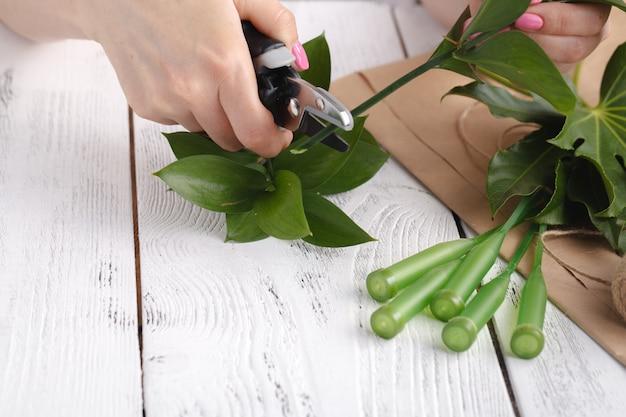 Флорист за работой, как сделать букет