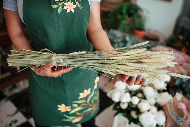 花屋、小穂の束