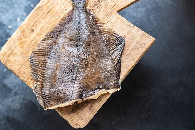 ヒラメ生魚シーフード料理スナック2コース