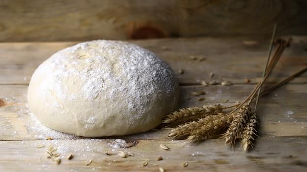 小麦粉と小穂