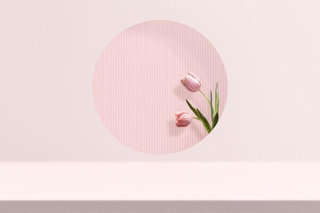 ピンクのチューリップと花製品の背景